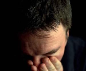 associazione tra suicidi e crisi economica negli studi in Inghilterra e Italia